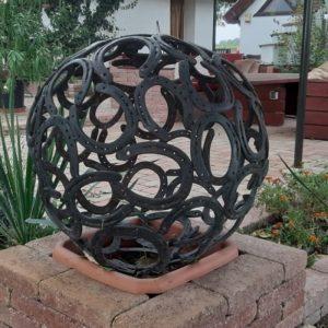 Patkóból készült tárgyak- kerti dekoráció